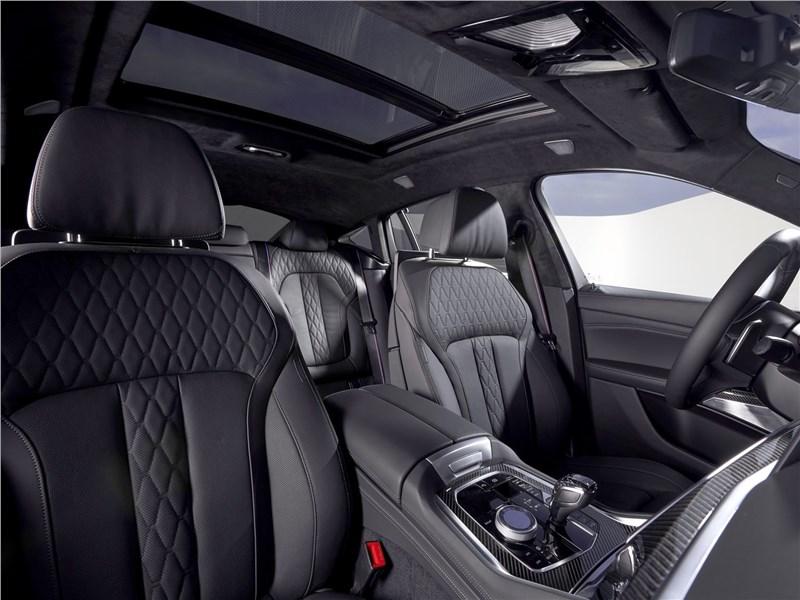 BMW X6 M50i 2020 передние кресла