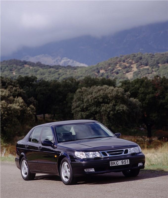 Saab 9-5 2001 седан вид спереди справа фото 2