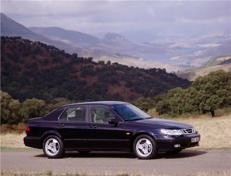 Saab 9-5 2001 седан вид справа