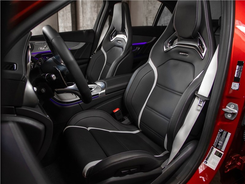 Mercedes-Benz C63 S AMG Sedan 2019 передние кресла