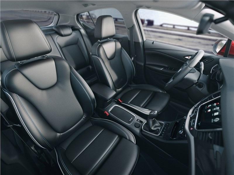 Opel Astra 2016 передние кресла