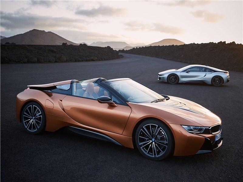 BMW i8 Coupe 2019 вид спереди