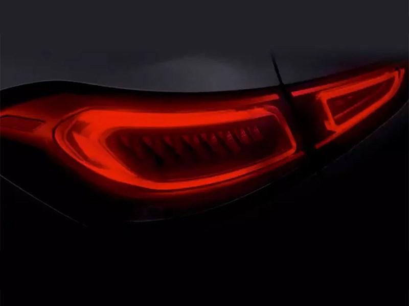 Появился тизер нового Mercedes-Benz GLE Coupe