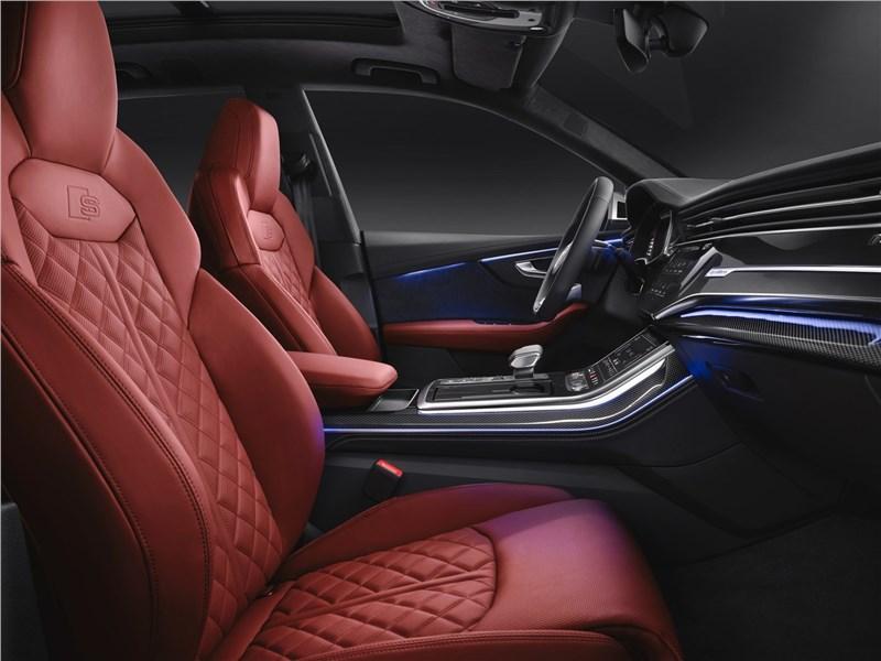 Audi SQ8 TDI 2020 передние кресла