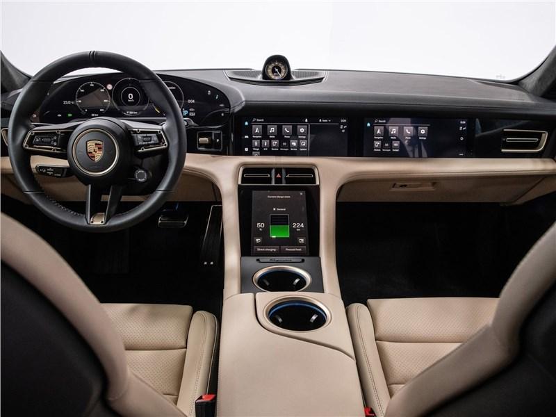 Porsche Taycan 2020 салон