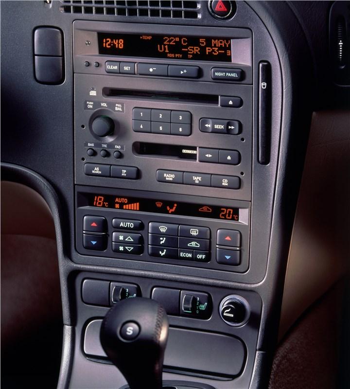 Saab 9-5 2001 консоль панели приборов