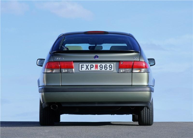Saab 9-3 2001 трехдверный хэтчбек вид сзади