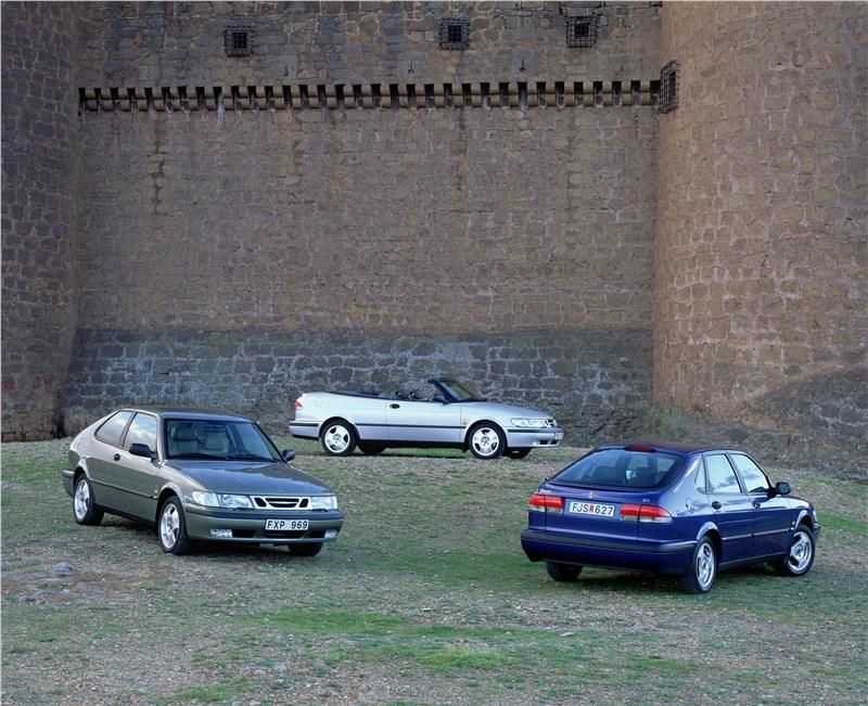 Saab 9-3 2001 трехдверный хэтчбек, кабриолет и пятидверный хэтчбек