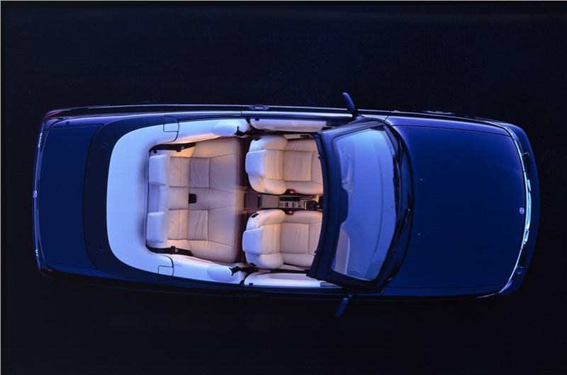 Saab 9-3 2001 кабриолет вид салона сверху
