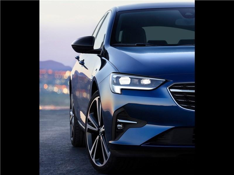 Opel Insignia 2020 передняя фара