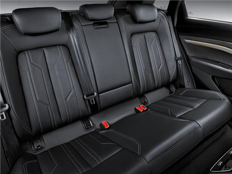 Audi e-tron 2020 задний диван