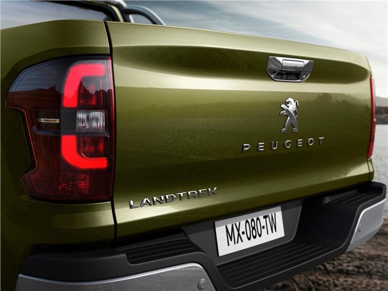 Peugeot Landtrek 2021 задний фонарь