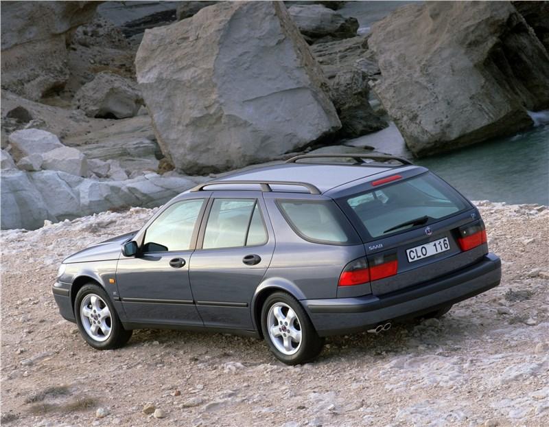 Saab 9-5 2001 универсал вид слева сзади