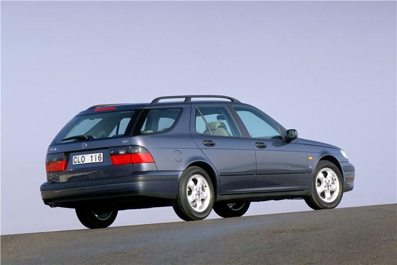 Saab 9-5 2001 универсал вид справа сзади