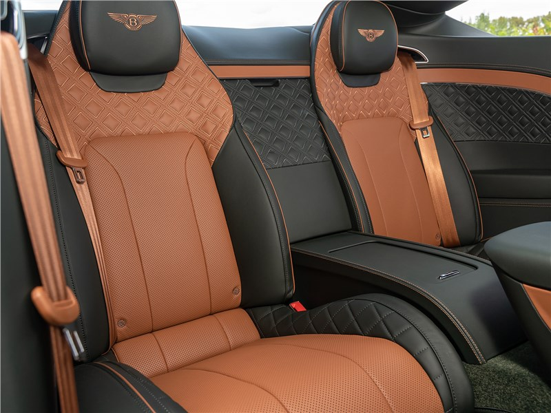 Bentley Continental GT V8 (2020) задний диван