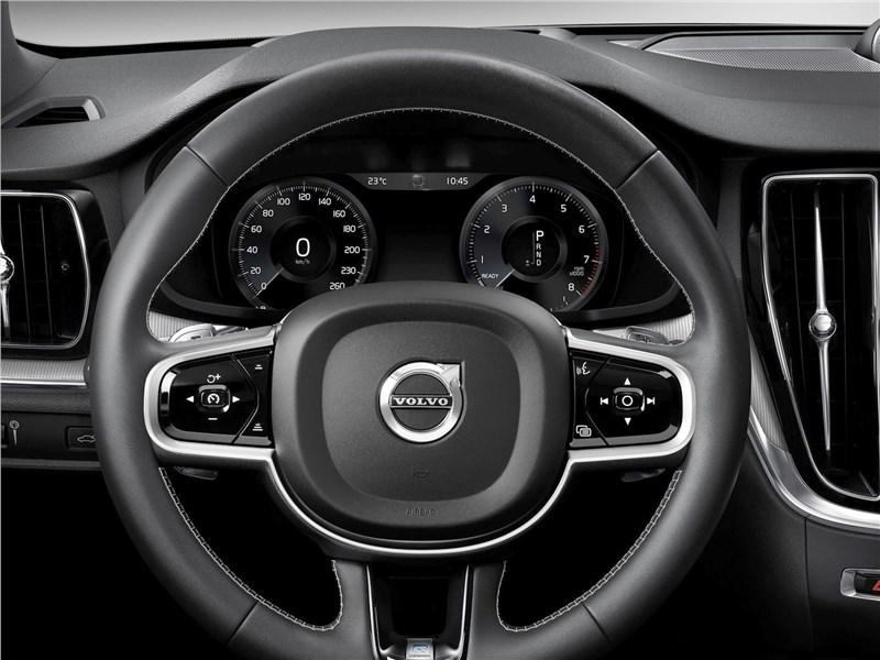 Volvo S60 (2019) руль