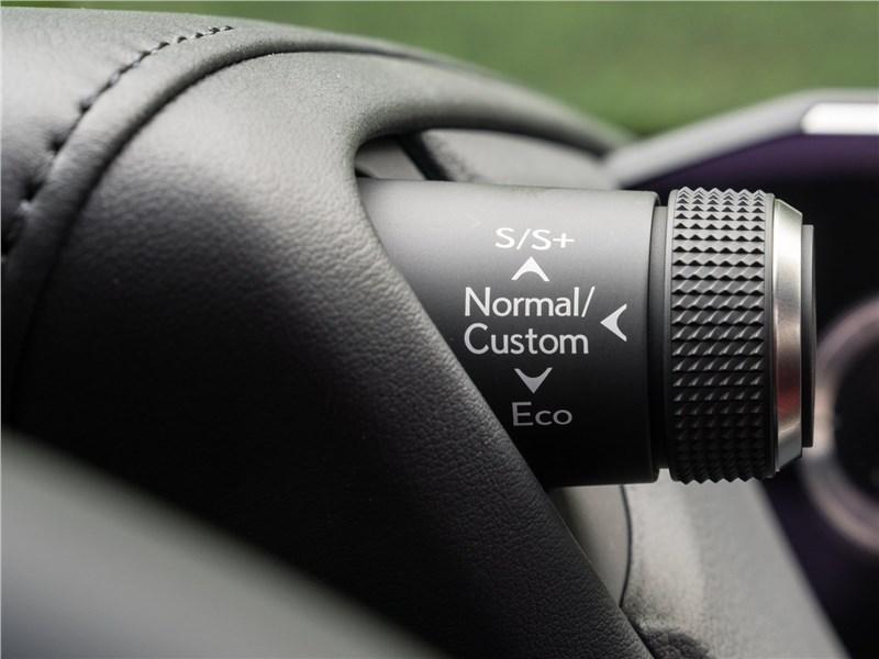 Lexus ES (2019) выбор режимов движения