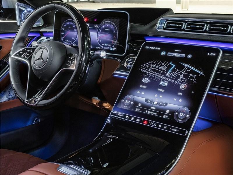 Mercedes-Benz S-Class (2021) салон