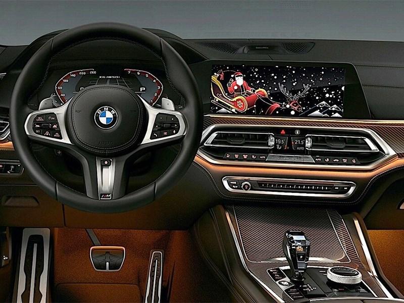 Автомобили BMW поздравят своих владельцев с Новым годом