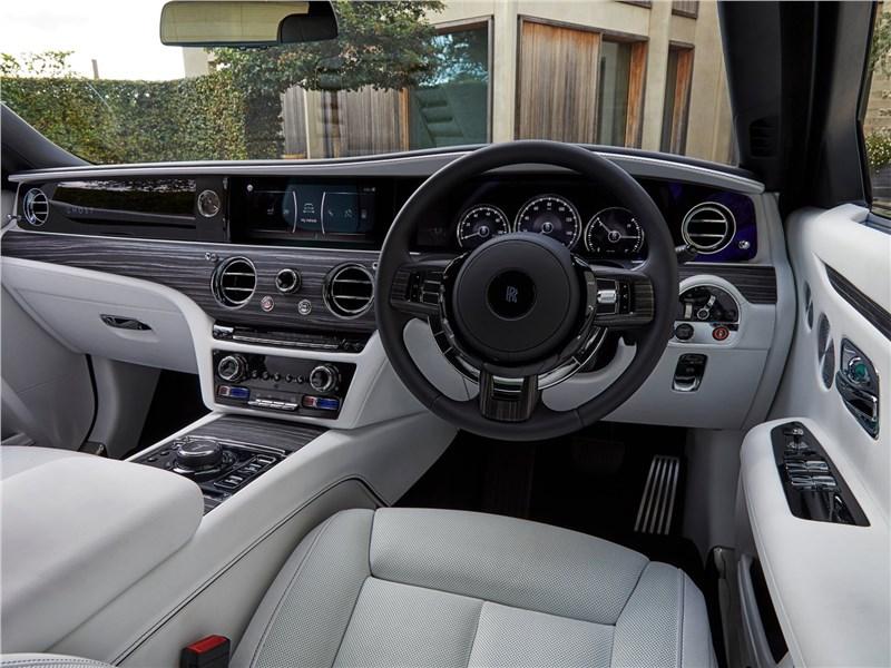 Rolls-Royce Ghost (2021) салон
