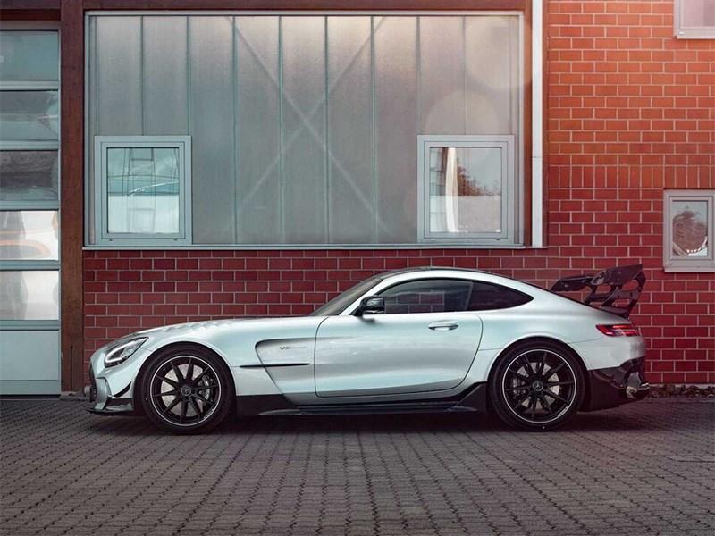Mercedes AMG GT прировняли к Bugatti Veyron