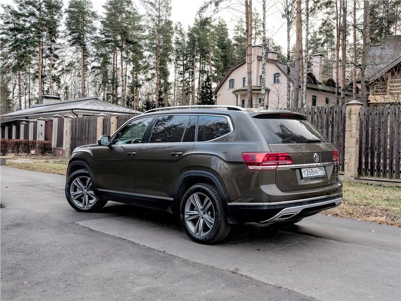 Volkswagen Teramont (2018) вид сзади
