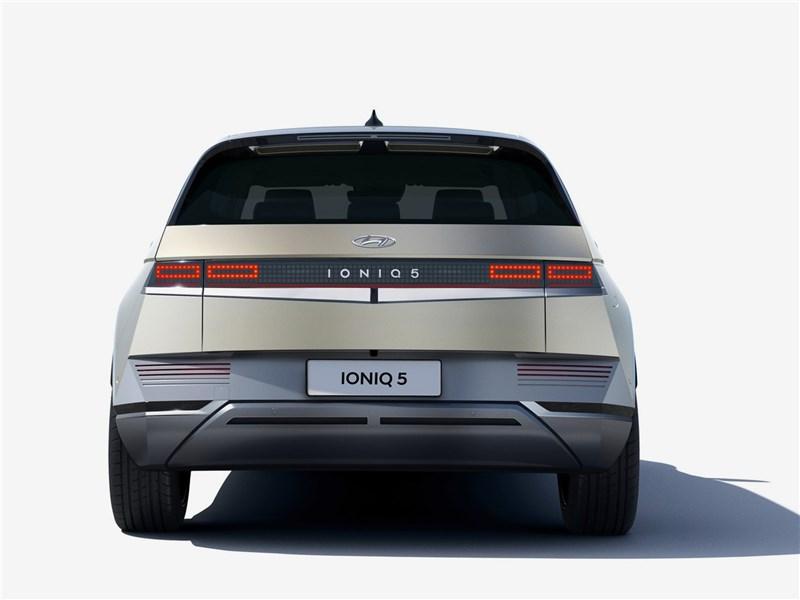 Hyundai Ioniq 5 (2022) вид сзади