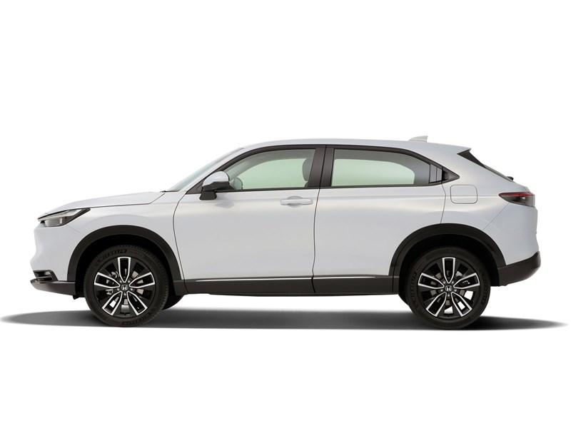 Honda HR-V (2022) вид сбоку