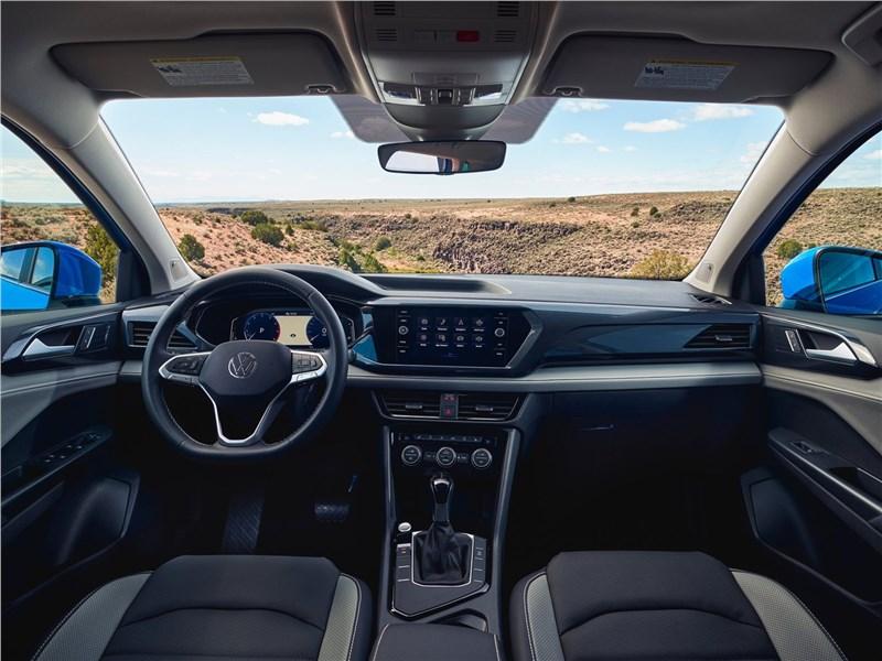 Volkswagen Taos (2022) салон