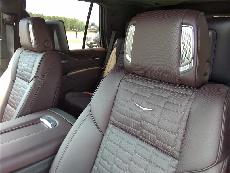Cadillac Escalade (2021) кресла