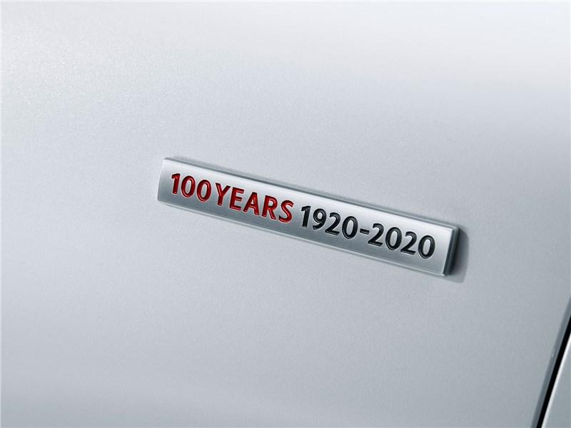 Mazda CX-9 Century Edition (2021) шильдик