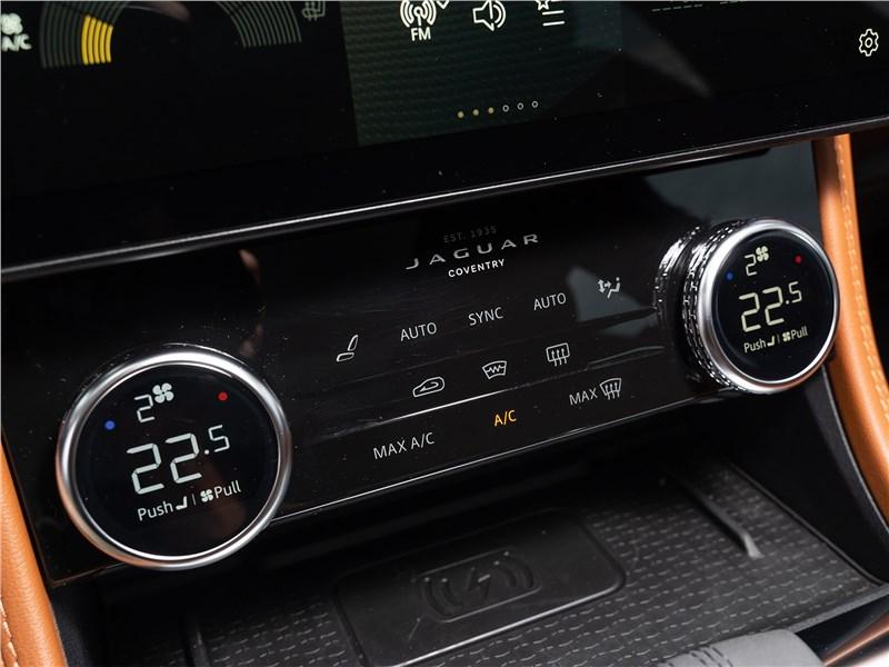 Jaguar F-Pace (2021) управление климатом