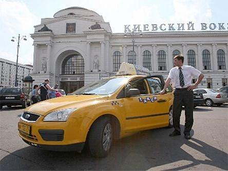 В экстремальных ситуациях таксистам придется возить людей бесплатно