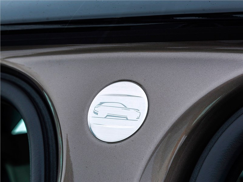 Range Rover Velar 2017 шильдик