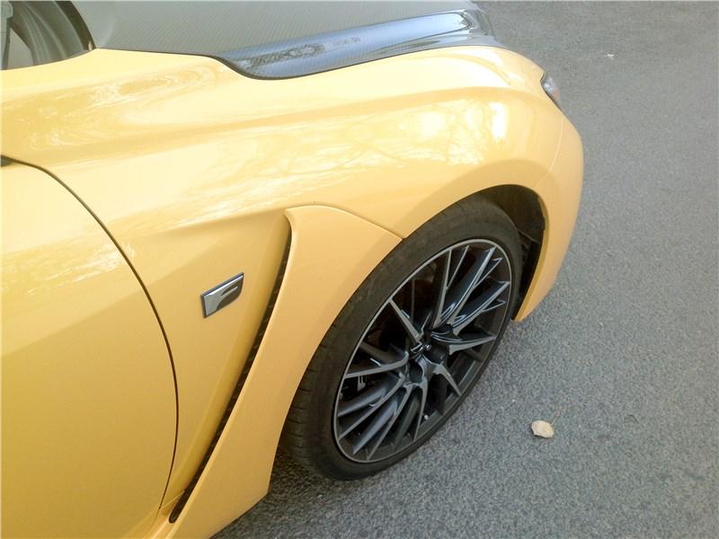 Lexus RC F 2015 воздуховод