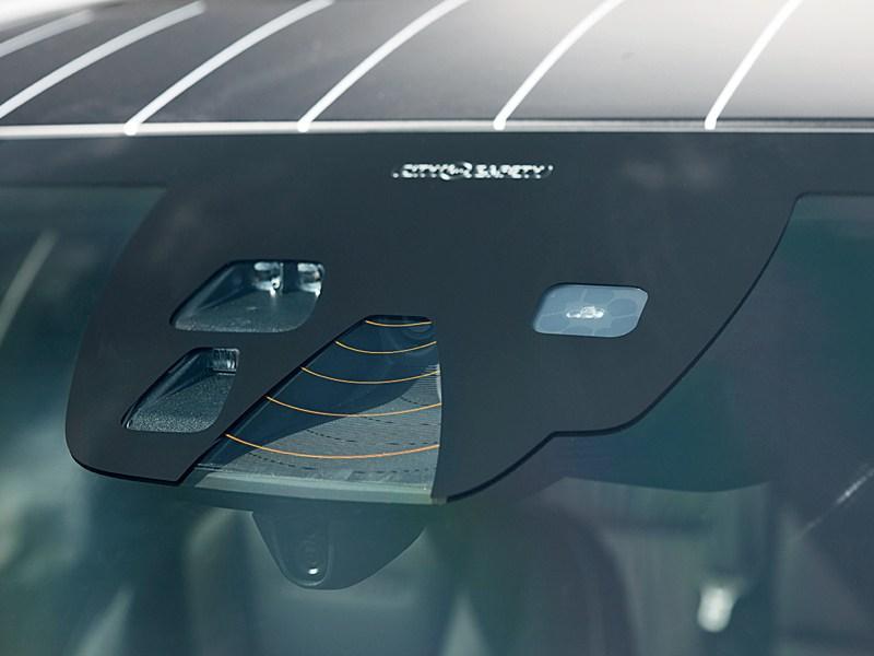 Volvo Обухов Инжиниринг V60 видеорегистратор и радар