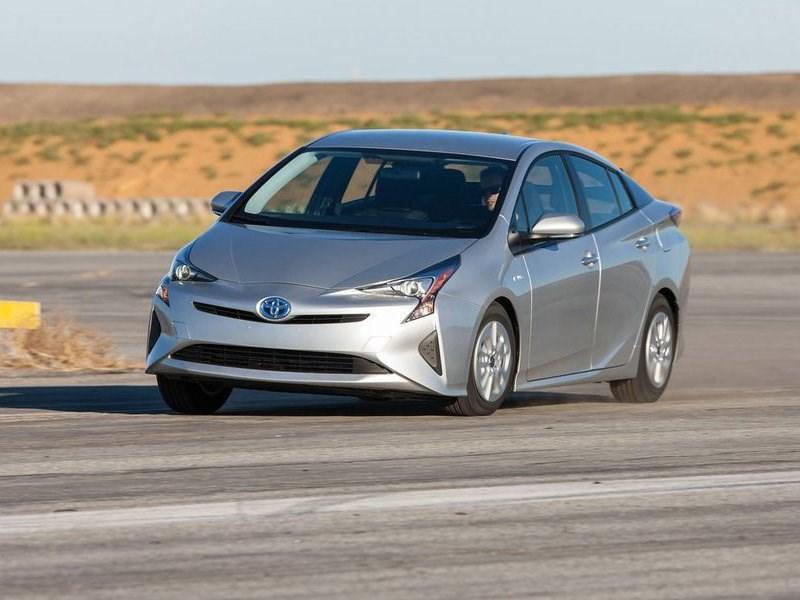 Toyota планирует начать выпуск электрокаров через четыре года
