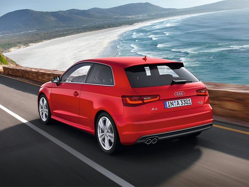 Audi A3 2012 вид сзади