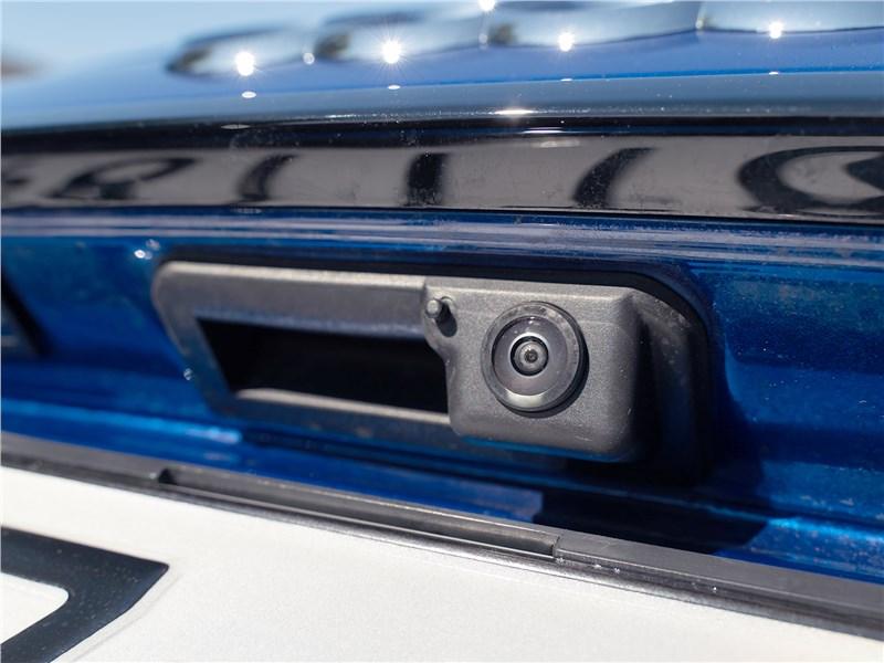 Audi Q5 (2021) камера заднего вида