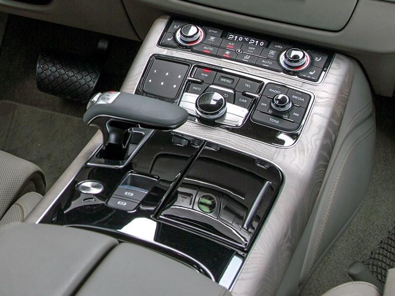 Audi A8 2014 центральная консоль