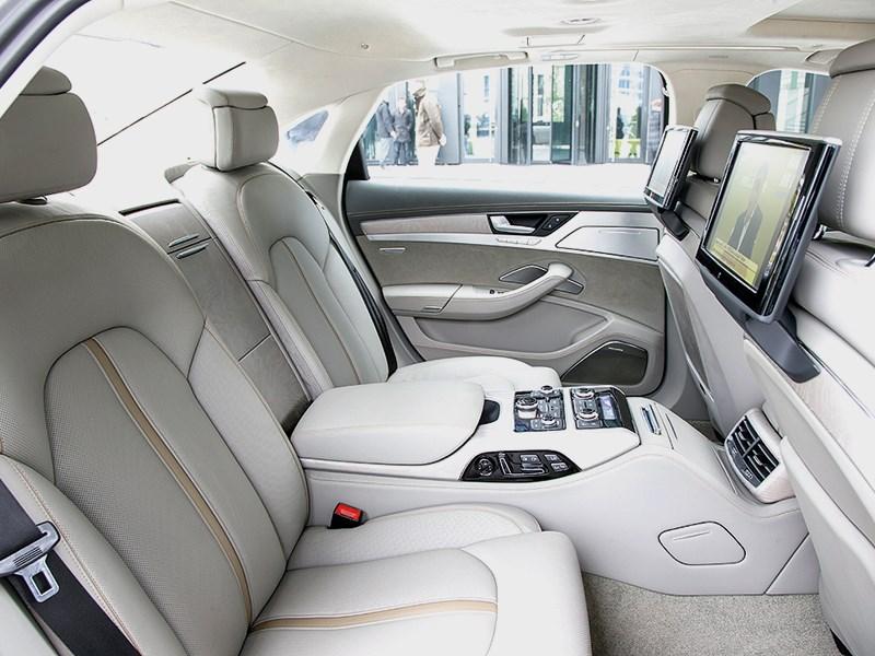 Audi A8 2014 задние кресла