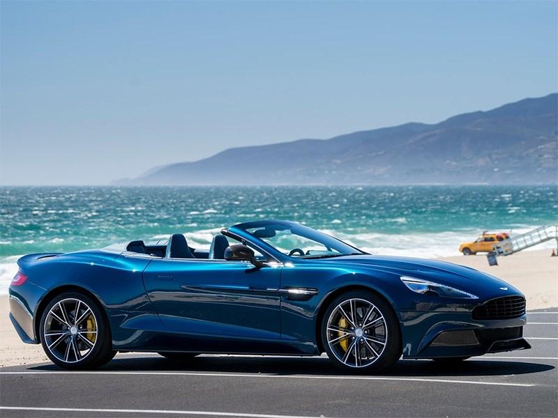 Aston Martin Vanquish Volante 2014 вид сбоку