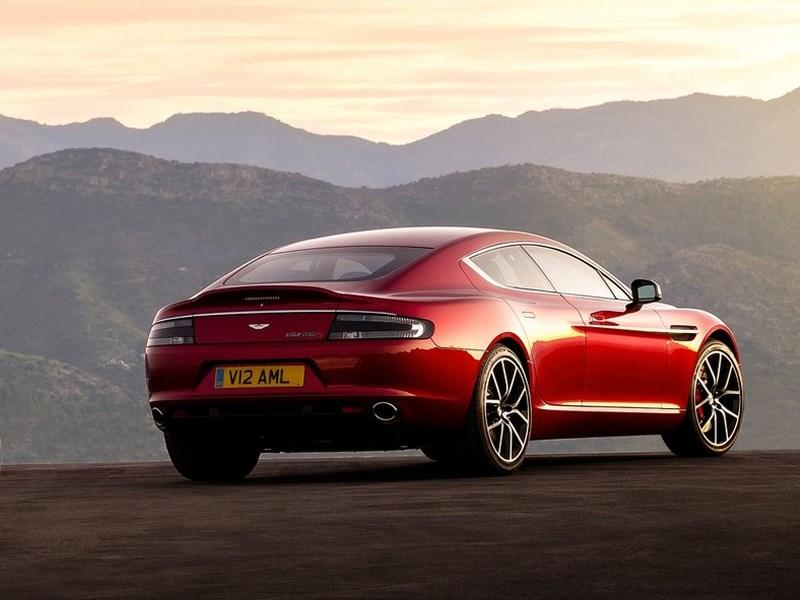 Aston Martin Rapide S 2013 вид сзади