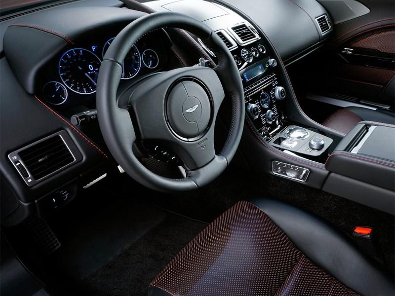 Aston Martin Rapide S 2013 водительское место