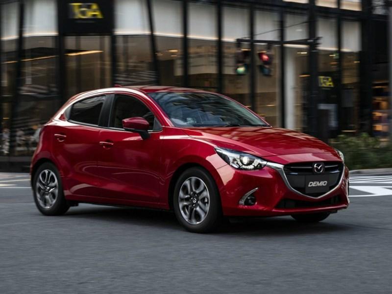 Mazda показала обновленные CX-3 и «2-ую» модель