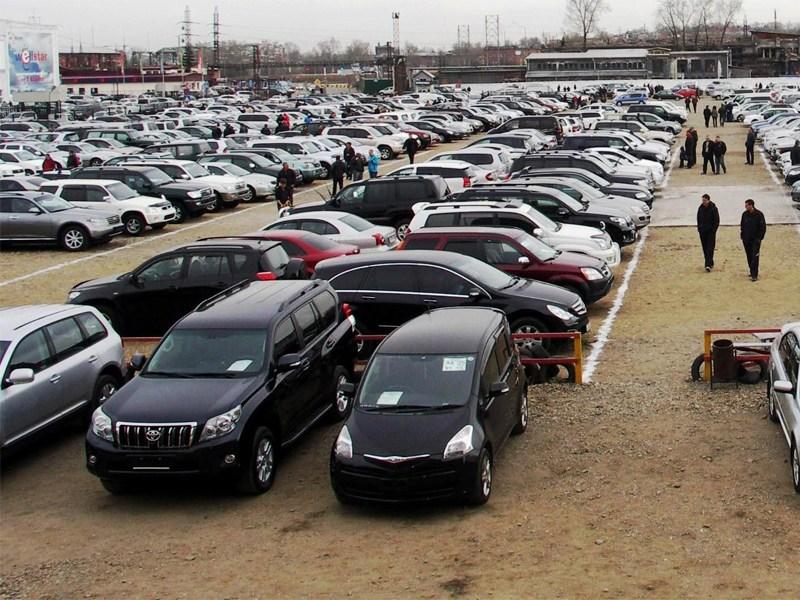 Почти половина проданных машин в России – с «автоматом»