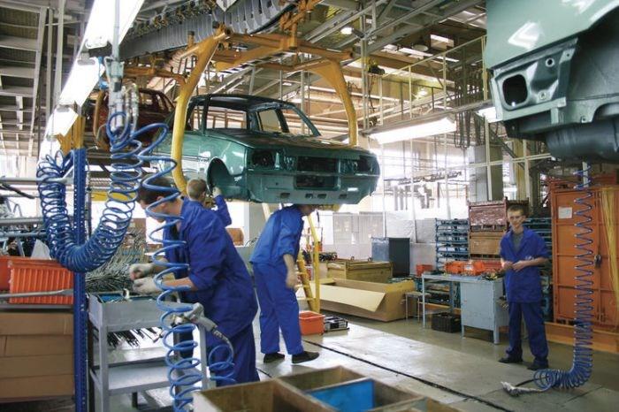 Производство новых автомобилей в России сокращается медленнее, чем авторынок