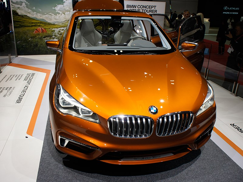BMW Active Tourer Outdoor concept 2013 вид спереди