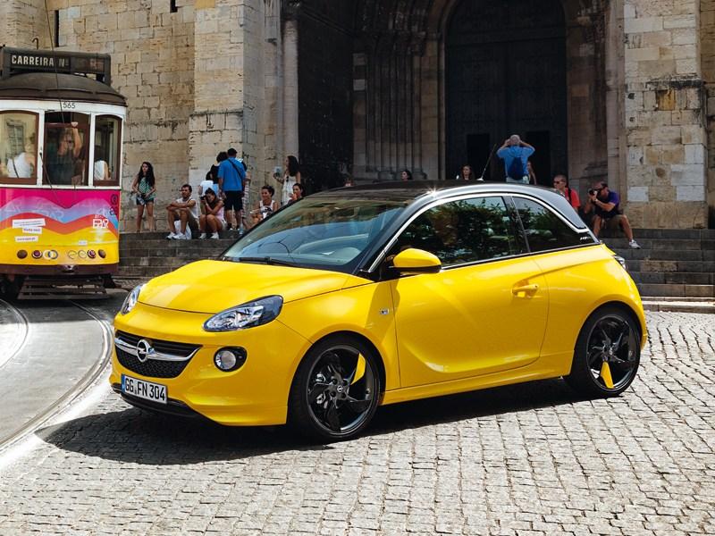 Opel Adam 2013 вид сбоку