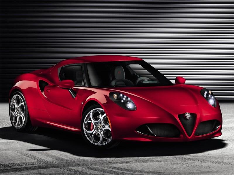 Новый Alfa Romeo 4C - Alfa Romeo 4C 2013 вид спереди